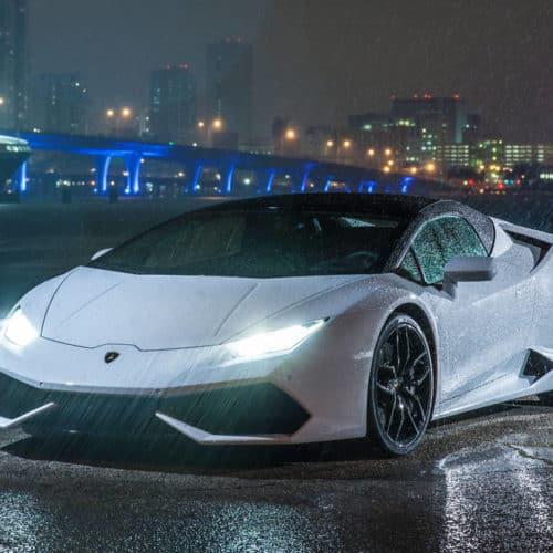 Rent a  Lamborghini Huracan Spyder