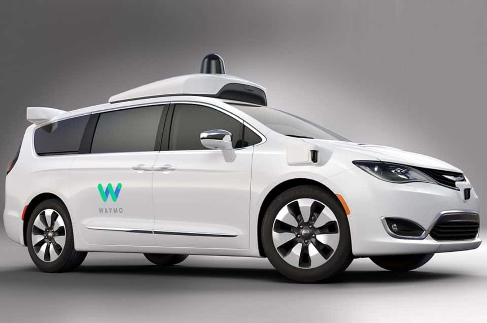 FCA, Thousand of Hybrid Pacificas To Google for Driverless Taxi Service