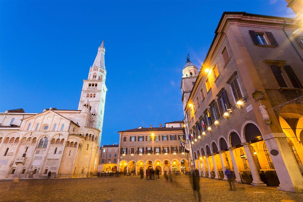Rent A Ferrari >> Rent a luxury car in Modena - Exotic Car Rentals - Italy ...