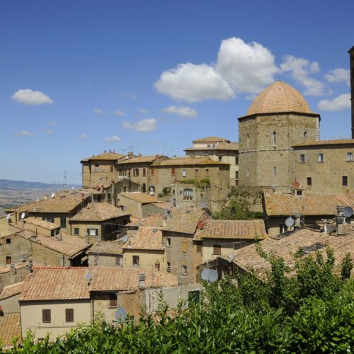 Rent A Luxury Car In Volterra
