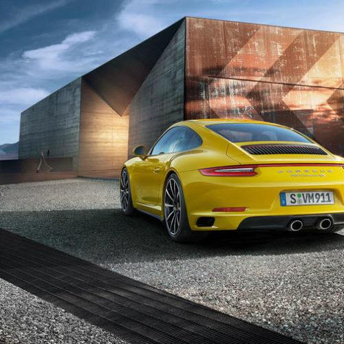 Rent a Porsche 911 4s