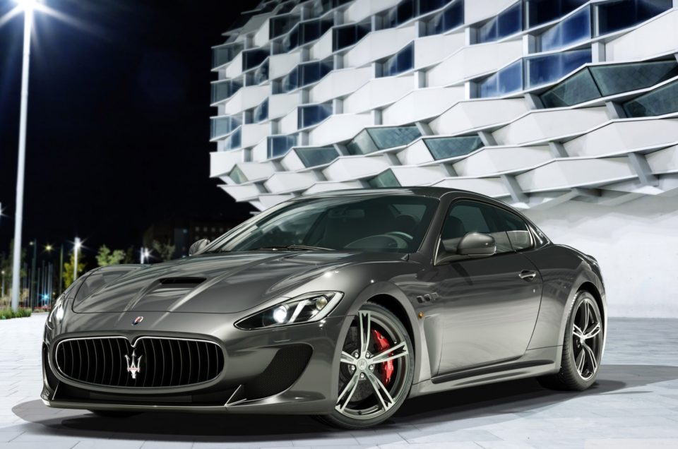 Luxury Car Rental in Forte dei Marmi